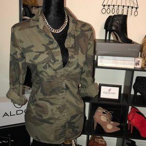 Elan Green Camouflage Button Down Blouse